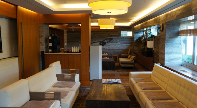 High class lounge for members to gather and comfort relaxing①