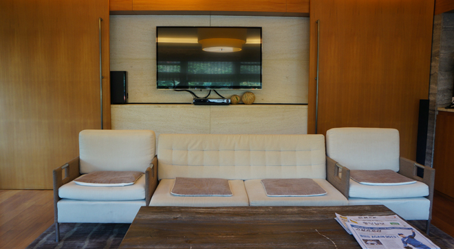 High class lounge for members to gather and comfort relaxing②
