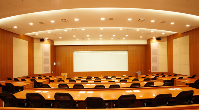 Stepped seminar room with cutting edge of high technology and facilities②